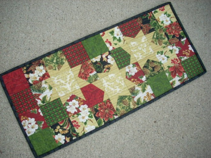 Silly Mama Christmas Tidings Christmas Runner